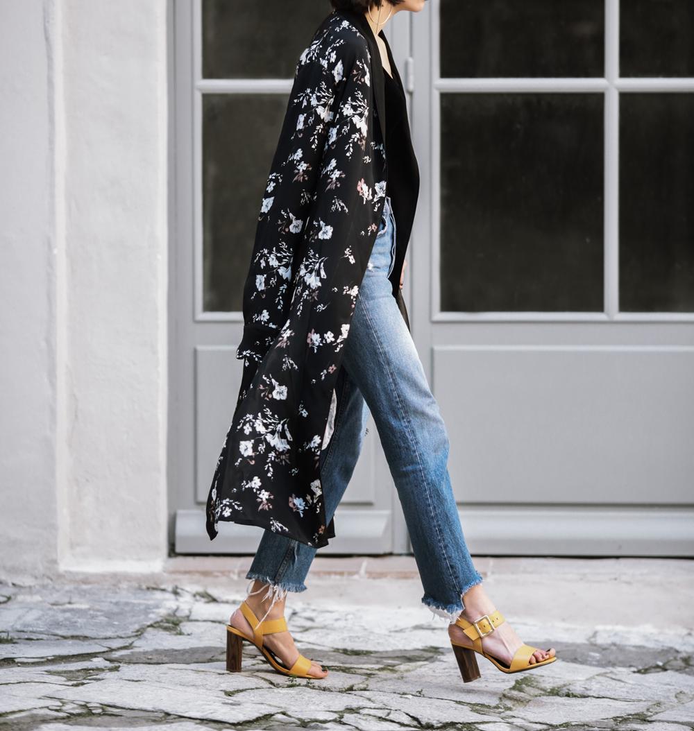 the-kimono-robe-street-style-st-tropez-marks-&-spencer-sandals ...
