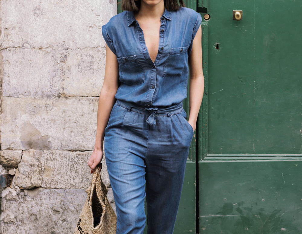 How to wear a denim jumpsuit for summer