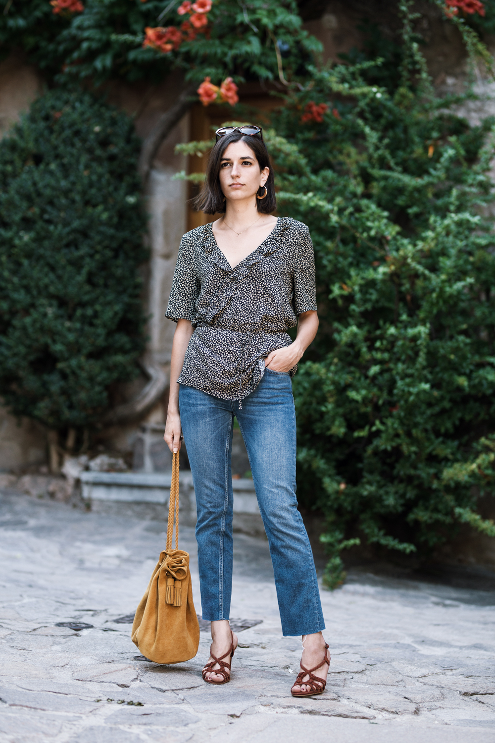Summer outfit: The best way to wear a casual wrap shirt