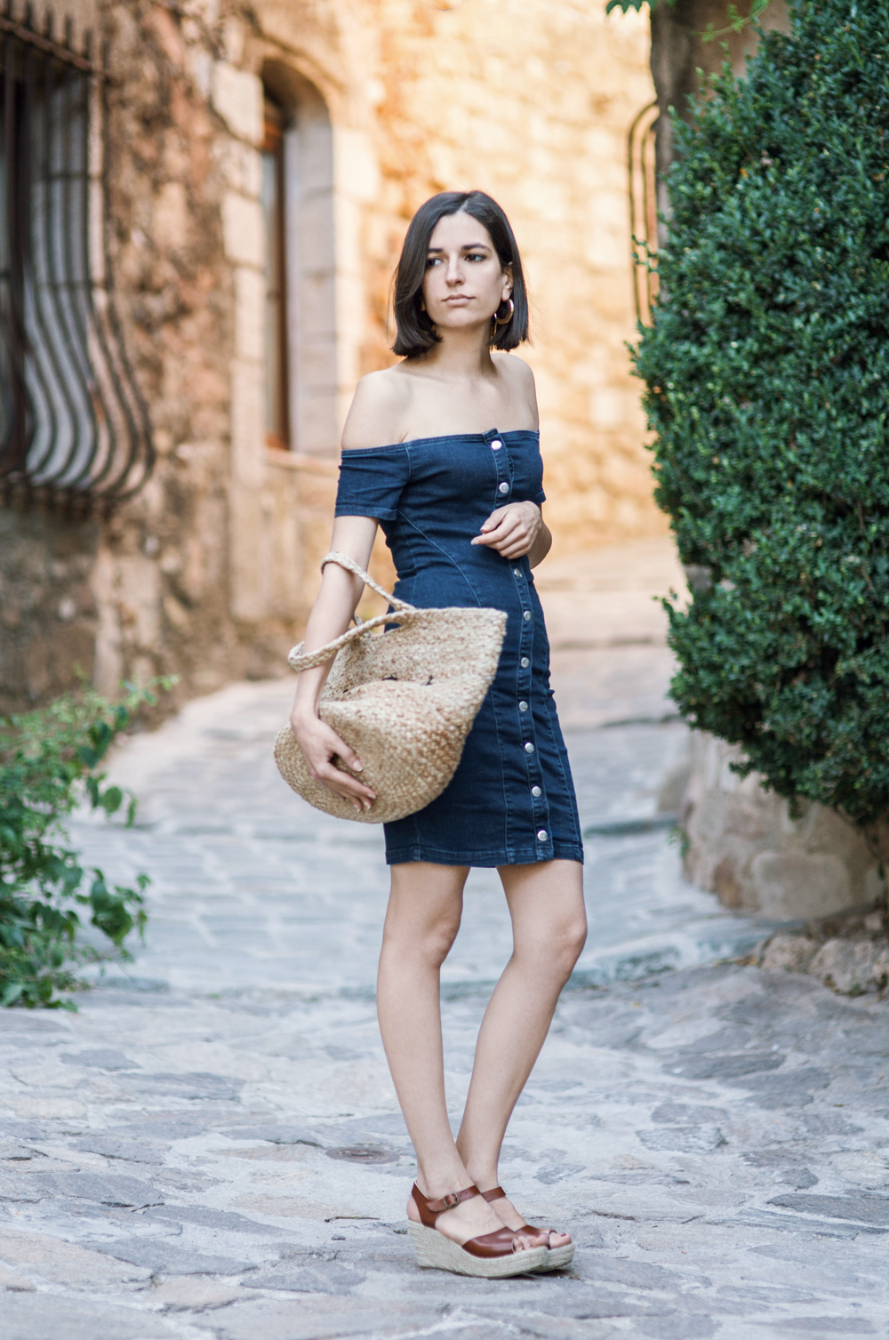 Tricky summer trends: The denim dress