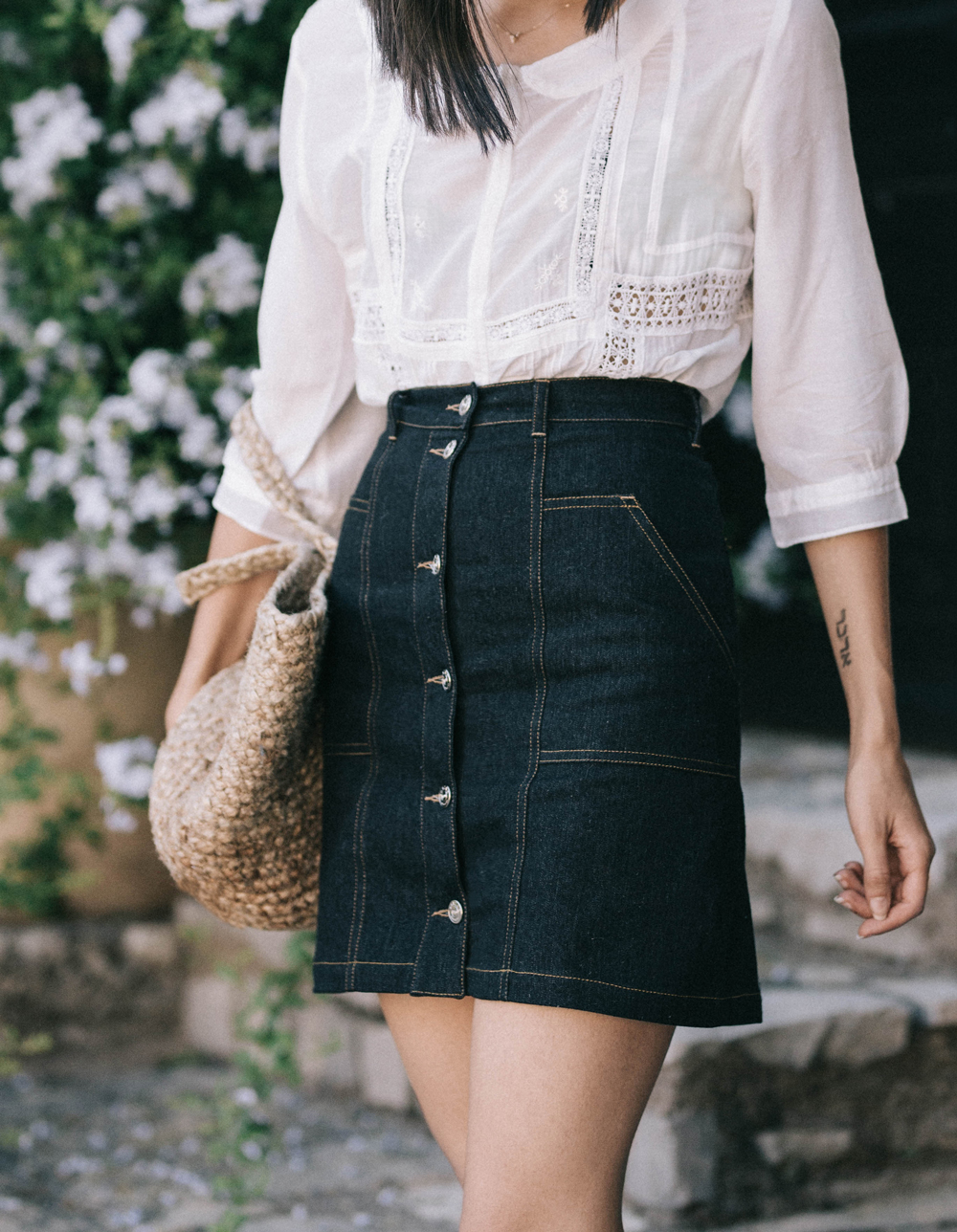 The pretty denim skirt you need in your wardrobe