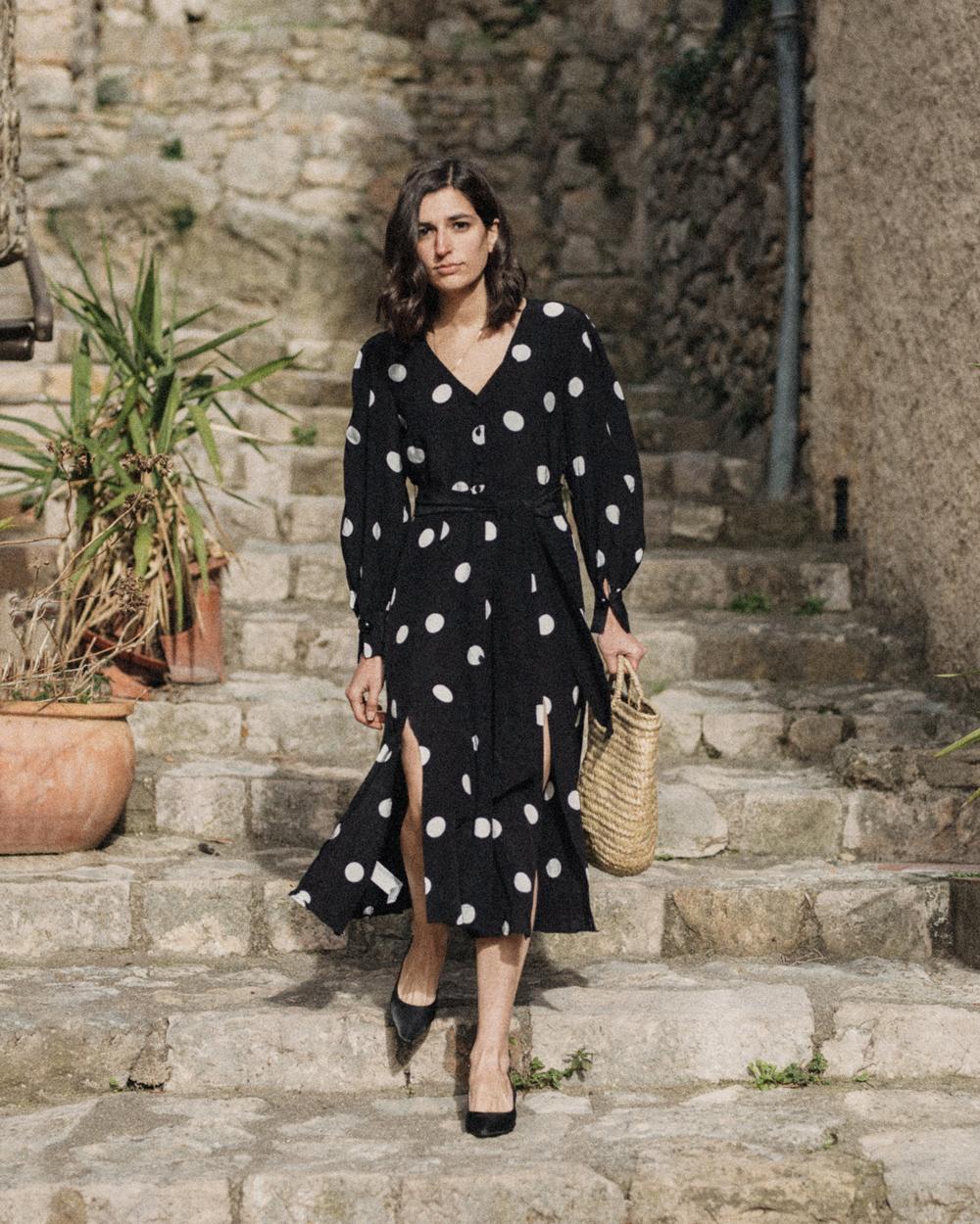 A Polka Dot Dress And A Basket Bag Aria Di Bari
