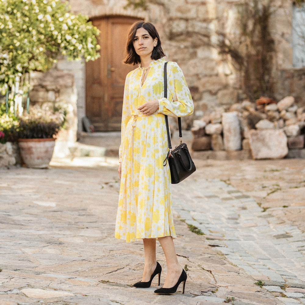 Perfect-yellow-floral-dress-spring-and-other-stories-aria-di-bari-french-street-style-fashion ...