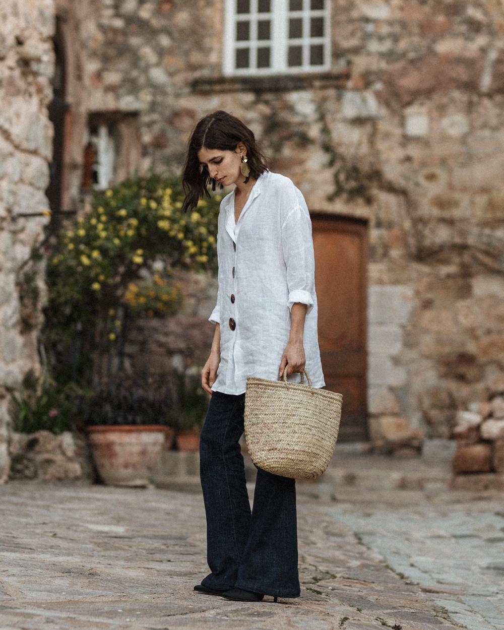 dd1fdfc039 oversized-linen-shirt-pair-flare-jeans-zara-mango-space-rocket-store-mules-aria-di-bari-french-street-style-fashion-blog-vintage-mediterranean-spring-summer  ...