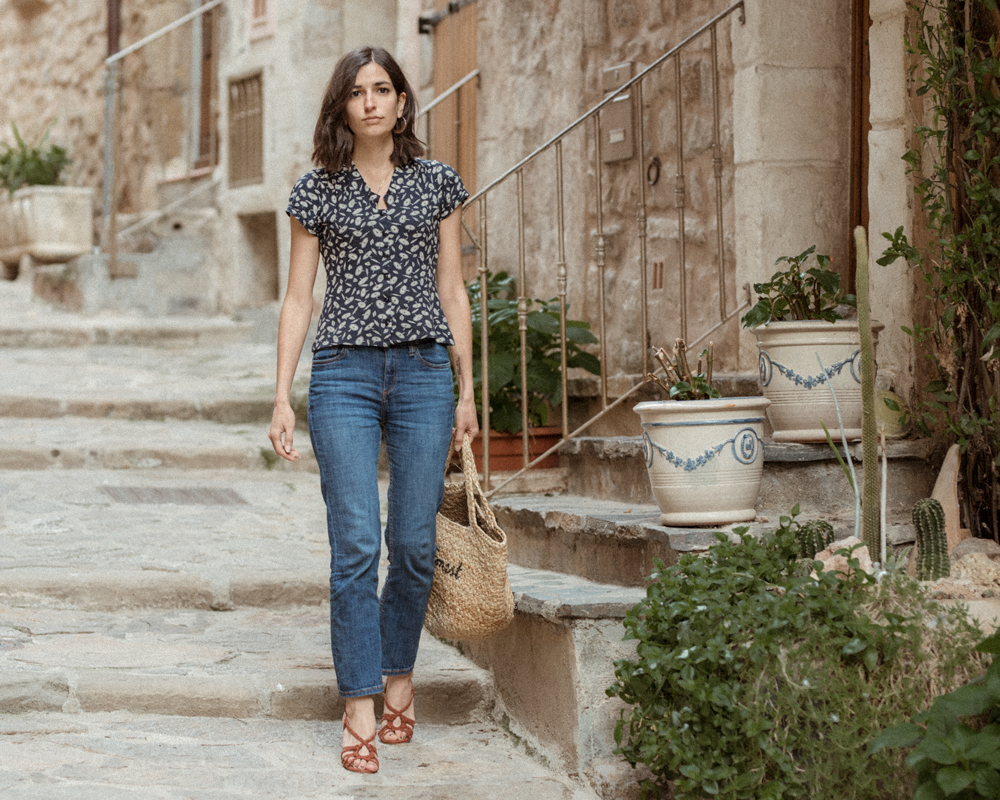 6f01c8b6589 vintage-top-blouse-aria-di-bari-french-street-style-fashion-blogger -bocage-mango-stella-forest-summer-spring-outfit-kick-flare-jeans-casual-editorial  (3)