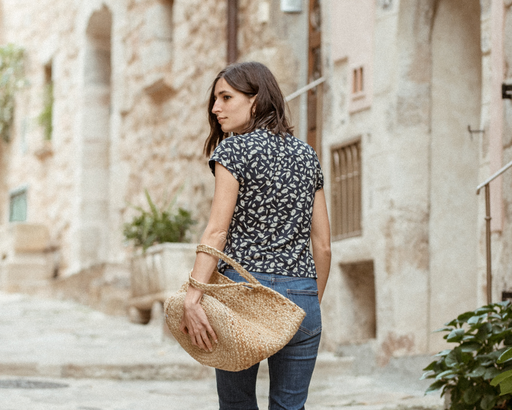 c983cbc01b6 vintage-top-blouse-aria-di-bari-french-street-style-fashion-blogger -bocage-mango-stella-forest-summer-spring-outfit-kick-flare-jeans-casual-editorial  (4)