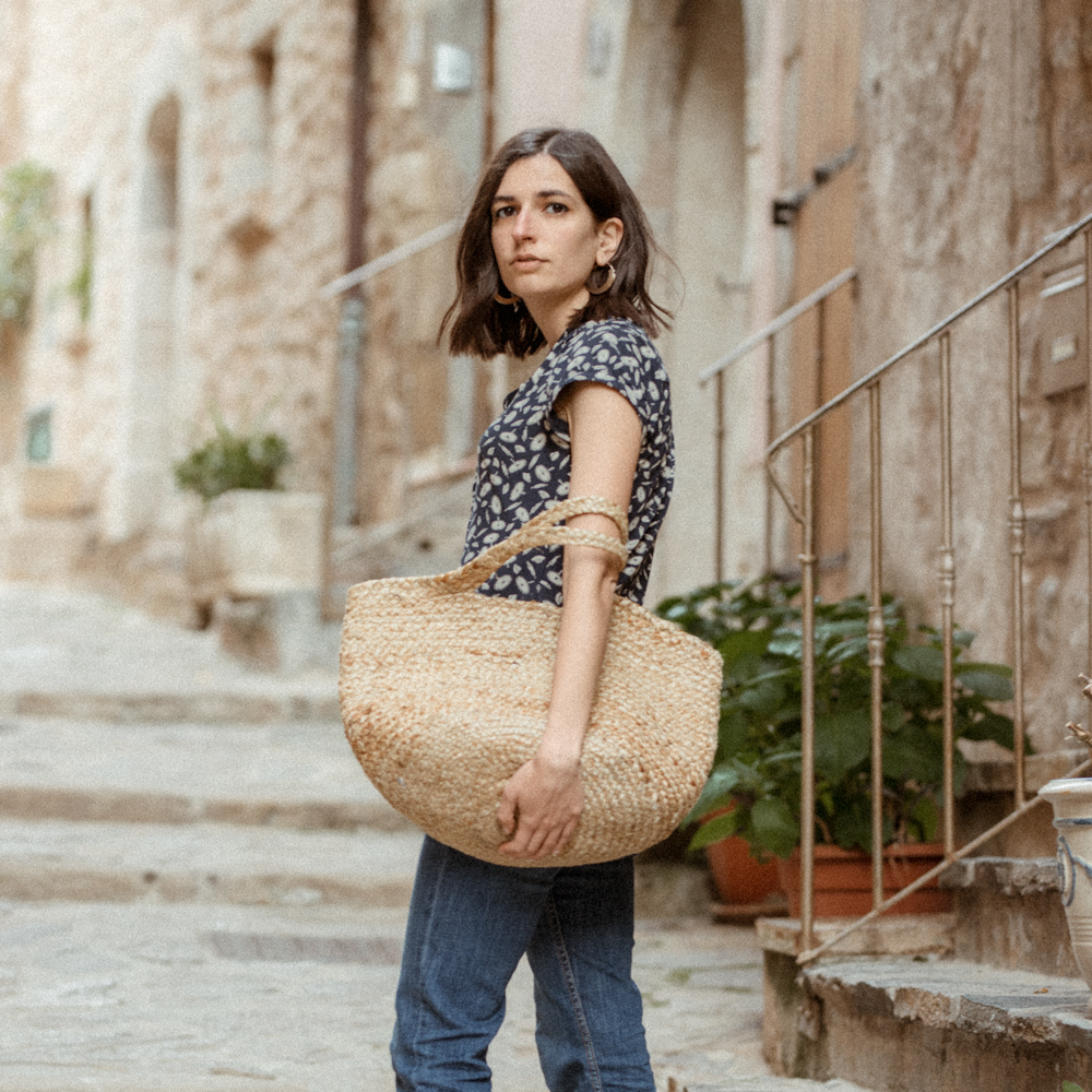 c8cc7247f41 vintage-top-blouse-aria-di-bari-french-street-style-fashion-blogger -bocage-mango-stella-forest-summer-spring-outfit-kick-flare-jeans-casual-editorial  (5)