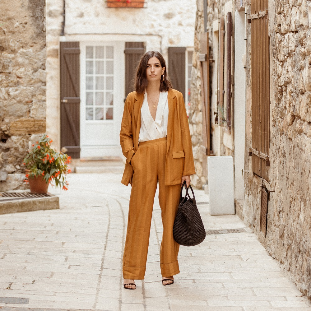 The best burnt orange suit for fall