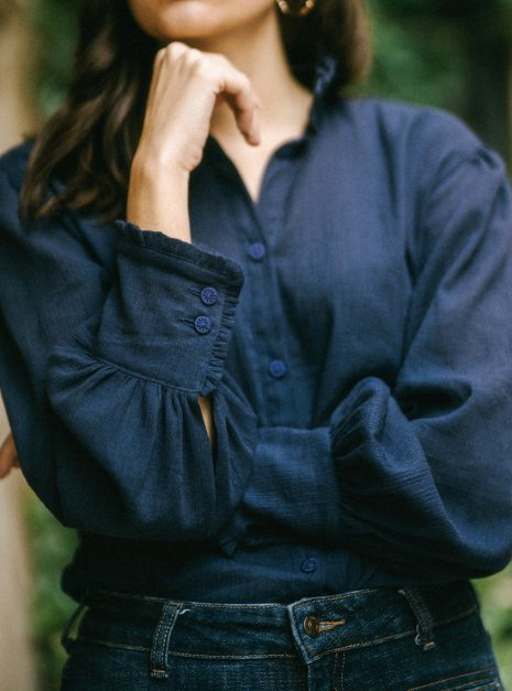 esmee-navy-crinkle-cotton-victorian-blouse-oversized-ariadibari-fall-collection-french-vintage-inspired (3)